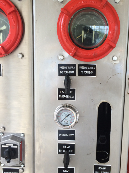 Diseño-y-Fabricación-de-Panel-de-control-hidráulico-de-válvula-de-tormenta-sub-superficie